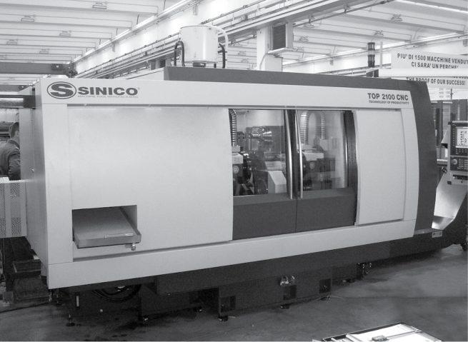 035 INTERNO SINICO TOP 2100 CNC 03 DESIGN CARROZZERIE PER MACCHINE UTENSILI