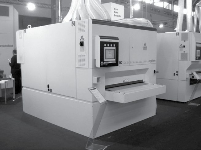Design carrozzeria macchina levigatrice calibratice SCM Group