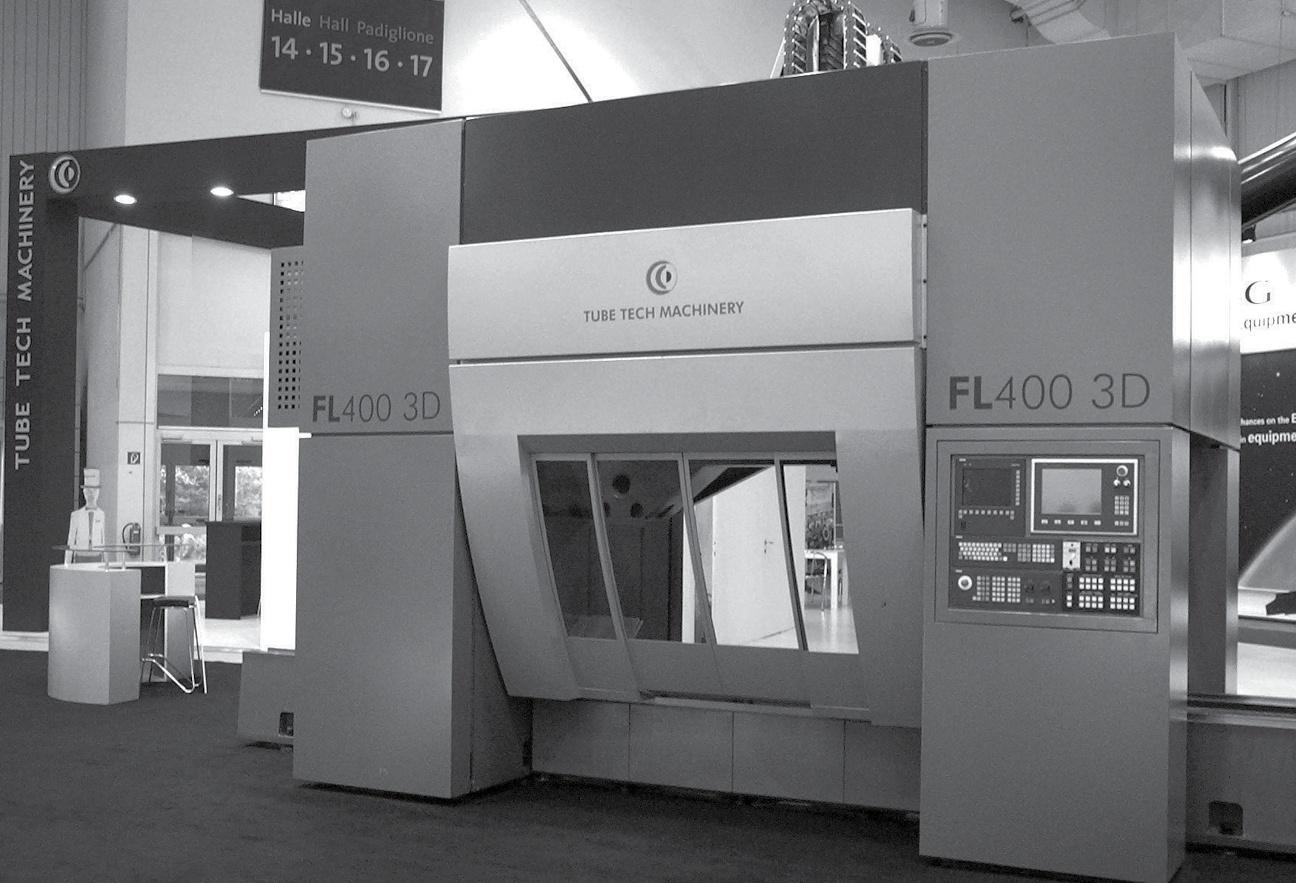 036 interno TTM FL 400 Industrial design ed engineering della carrozzeria per macchina Laser Tube